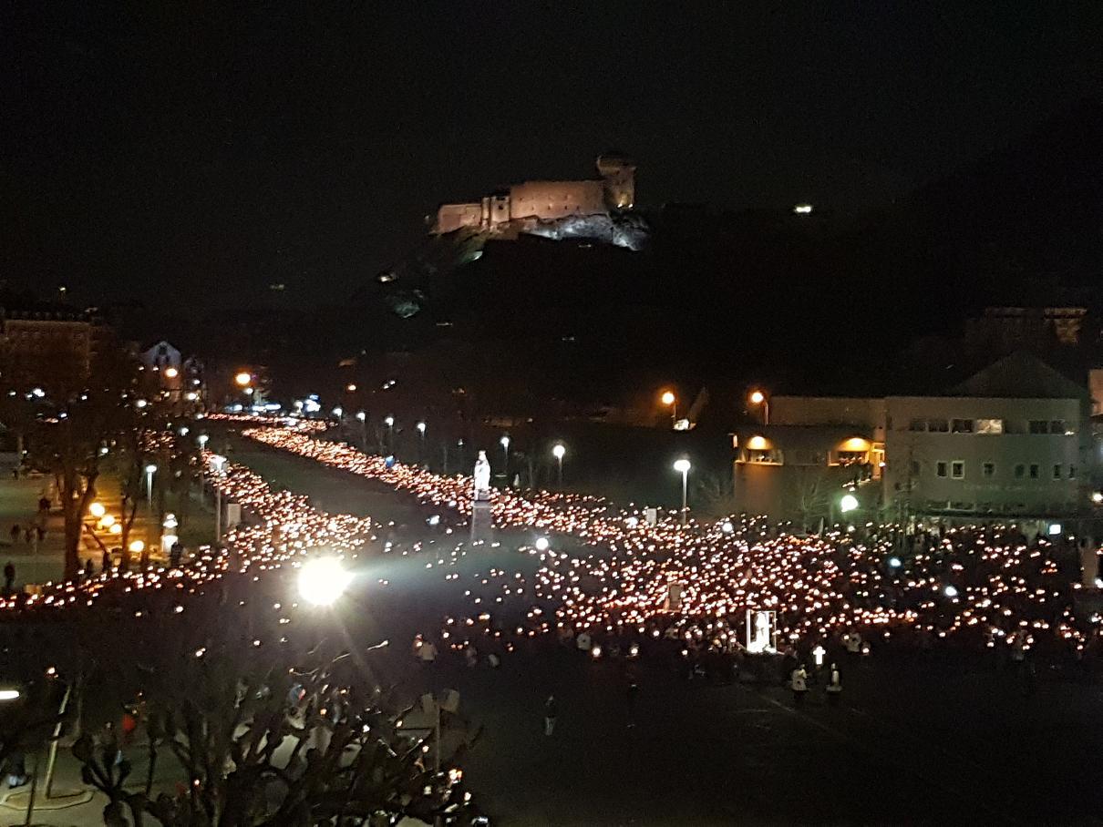 Lourdes 20170211_212637